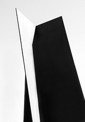abstracto geométrico, (Luis Mª) Tags: bidasoatxingudi afiiae irún blancoynegro monocromático geometría escultura