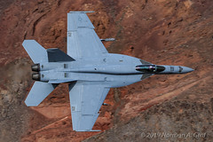 """Boeing F/A-18E Super Hornet of Strike Fighter Squadron 14 (VFA-14), """"Tophatters"""", from NAS Lemoore (Norman Graf) Tags: fa18 fa18e deathvalleynationalpark aircraft vfa14 airplane nationalpark 168482 usn navalaviation rainbowcanyon boeing tophatters attack california f18 f18e fighter hornet jeditransition jet naslemoore ng211 plane starwarscanyon strikefightersquadron14 superhornet unitedstatesnavy"""