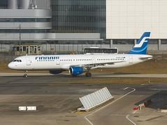 Finnair                              Airbus A321                                OH-LZE (Flame1958) Tags: finnair finnaira321 airbus a321 321 ohlze cdg pariscdg parischarlesdegaulle degaulleairport 200213 0213 2013 6892