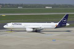 Lufthansa Airbus A321-131; D-AIRY@DUS;10.04.2019 (Aero Icarus) Tags: flughafendüsseldorf düsseldorfinternationalairport dus lufthansa airbusa321 dairy plane avion aircraft flugzeug