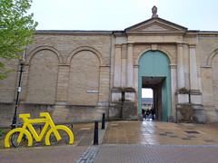 (Chris Hester) Tags: 165p halifax piece hall rain yellow bikestand cyclehoop hatters fold gold sign january 1779