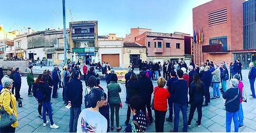 62a concentració setmanal @ANCGelida amb l#audio sobre els fets de #Coripe i #Puigdemont i la #cançó 'Els carrers serán sempre mostres' de @mascarats_grup #MakeAMove #LlibertatPresosPolítics #Gelida #Penedès