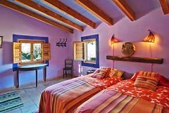 La Habitación Violeta (brujulea) Tags: brujulea casas rurales turre almeria casa rural nacimiento del rincon habitacion violeta