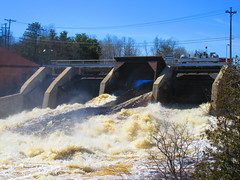 IMG_4842 4-23-2019 (PGK88) Tags: dam spillway flow water river runoff floodgates damgate spillwaygate taintergate hydroelectric architecture structure 2019 spring springtime