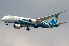 Oman Air Boeing 787-9 Dreamliner (maidensphotography) Tags: airline airport airways airbus airlines aircraft aviation airliners canon camera cute dslr flicker flickr suvarnabhumiairport bangkok thailand planespotter planespotting
