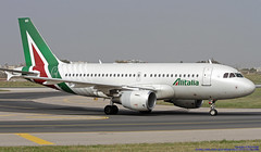 EI-IMG LMML 25-04-2019 Alitalia Airbus A319-112 CN 2086 (Burmarrad (Mark) Camenzuli Thank you for the 18.9) Tags: eiimg lmml 25042019 alitalia airbus a319112 cn 2086