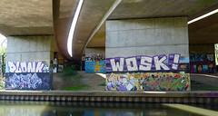 Graffiti under the Winnersh A3290 flyover April 2019 (1) (karenblakeman) Tags: readinggreendrinkswalk loddon berkshire uk april 2019 bridge river a3290flyover graffiti