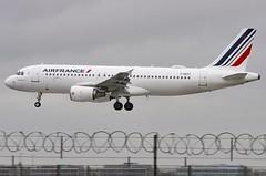 F-GKXT / Airbus A320-214 / 3859 / Air France (A.J. Carroll (Thanks for 1 million views!)) Tags: fgkxt airbus a320214 a320200 a320 320 3859 airfrance skyteam dgfm 392af3 london heathrow lhr egll 27l cfm565b4p
