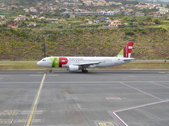 Airbus A320-214 - CS-TNG (jimcnb) Tags: flugzeugaircraftairplane geo:lat=3269365301 geo:lon=1677570262 geotagged santoantóniodaserra madeira portugal 2019 april