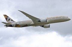 A6-BLW / Boeing 787-9 GE / 39666/793 / Etihad Airways (A.J. Carroll (Thanks for 1 million views!)) Tags: a6blw boeing 7879 ge 787 789 39666793 genx etihadairways bmcr 896534 london heathrow lhr egll 27r