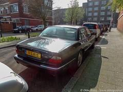 Den Haag, maart 2019 (Okke Groot - in tekst en beeld) Tags: vanneckstraat denhaag sidecode7 11zjf5 jaguarxjrv8automatic nederland