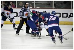 Great Britain vs Netherlands   Великобритания vs Нидерланды (Dit is Suzanne) Tags: 28042017 img8541 verenigdkoninkrijk unitedkingdom соединённоекоролевство noordierland northernireland севернаяирландия belfast белфаст ©ditissuzanne canoneos40d tamron18200mmf3563diiivc beschikbaarlicht availablelight ijshockey icehockey хоккей живихоккеем eishockey icehockeyworldchampionshipgreatbritain2017 belfast2017 divisionib grootbrittaniënederland greatbritainnetherlands великобританиянидерланды seizoen20162017 season20162017 сезон20162017 24 brendanbrooks 26 guusvannes 5 nielsvandervossen 18 liamstewart views50