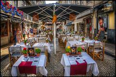 1845 - Tot a punt (Joanot Photography) Tags: street lisbon portugal joanot joanotbellver 1845 2017 lisboa restaurant carrer parasol taula adoquí