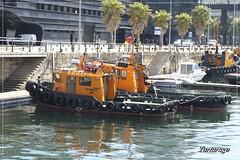 Botamavi Uno (Tartarugo) Tags: fujifilm xm1 tartarugo paseos por vigo galicia españa spain 2019 abril april primavera spring barco boat vessel puerto de remolcador empujador tugboat domingo sunday muelle pier laxe