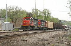 IC M337 at East Dubuque (The Andy Smith) Tags: edubuque il ic sd403 6265 m337