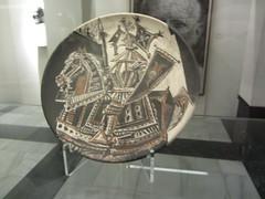 Knight in armour, plate, Picasso  Museum,  Buitrago de Lozoya,  Madrid (d.kevan) Tags: museum buitragodelozoya exhibits ceramics displaycabinets madrid spain plates knightinarmour picassomuseum painting