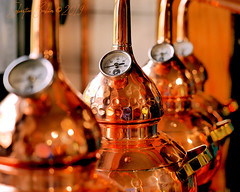 Distillerie Straw Bale P1190320_Mini_WM (Twilight'Zone) Tags: distillerie strawbale vacquiers