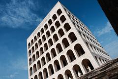Le Colosseum carré : Rome EUR (Paolo Pizzimenti) Tags: rome barbares eur colosseum carré architecture paolo italie film pellicule argentique doisenau