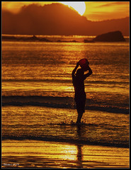 Sunset Bath (VERODAR) Tags: sunset sea sun sunlight santubong boy wave damai permairainforest sarawak sarawakborneo kuching nikon verodar veronicasridar