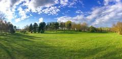 Panorama (v o y a g e u r) Tags: panorama parc park green vert primavera spring printemps iphone iphoneography phonecam sun sol sole soleil sky trees arbres arboles