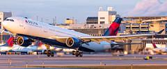 MSP N816NW (Moments In Flight) Tags: minneapolisstpaulinternationalairport msp kmsp mspairport deltaairlines delta airbus a330 a330300 aviation avgeek airplane airliner a330323 n816nw dal162 mspams
