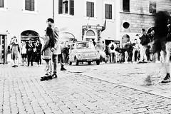 romanos (paulopar.rodrigues) Tags: local cidade city exterior italia roma rua street urban peoplepessoas people pessoas photofoto bw captureone fuji xt1