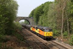 56113+56090 6E32 oakenshaw 30.04.2019 (Dan-Piercy) Tags: colasrail class56s 56113 56090 oakenshaw 6e32 prestondocks lindsey tank empties