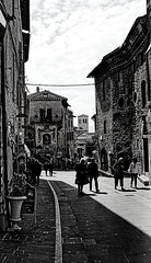 alleys of Assisi (Franco-Iannello) Tags: blackwhite blackandwhite streetphotography assisi