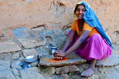 India- Gujarat- Adiwasi village near Poshina (venturidonatella) Tags: india asia gujarat adiwasivillage adiwasi minoranza minorities poshina village villaggio colori colors persone people gentes gente portrait ritratto nikon nikond300 d300 sorriso smile donna woman sguardo look