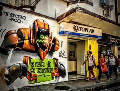 as pessoas não são descartáveis (lucia yunes) Tags: grafite grafiti grafiteiro rua arteurbana urbanart streetart streetphoto streetscene streetphotography streetlife lifeinstreet lifestyle motoz3play luciayunes mobilephotography mobilephoto arte art