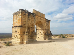 Triumphal Arch in Volubilis 01 (dorieo21) Tags: volubilis morocco maroc marruecos romanarchitecture
