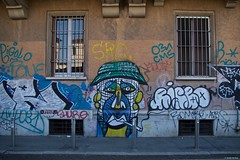 IMGP2337 Street art (Claudio e Lucia Images around the world) Tags: stazione porta genova milano railway station pentax pentaxkp pentax1850 pentaxart pentaxlens pentaxcamera street art murales graffiti wall painted