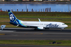 New Look Alaska (planephotoman) Tags: boeing 737 738 737800 7378fh n549as airline airliner pdxaircraft portlandinternationalairport pdx kpdx