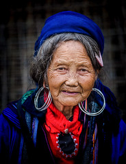 Vietnamese street Portrait (guillaume coeuret ( IG @_guiphoto )) Tags: portrait portraits lady ladies old woman girl vietnam view voyage ville vietnamese visa environment live travel travelasia creativity white exposure beautiful teamcanon destination beauty bestoftheday peaceful red religion road art tourism temple hybride day urban unesco outdoor outdoors guiphoto historic noir photographer photography landmark light lifestyle lightroom bokeh holidays hanoi heritage history daytime dramatic street asia asian amazing awesome canon canonasia capturethemoment city color colorful black blanc night face sapa