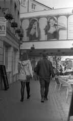 Don't Look (4foot2) Tags: streetphoto streetshot street streetphotography candidportrate candid reportagephotography reportage people peoplewatching peopleofbrighton interestingpeople brighton laines analogue film filmphotography 35mm 35mmfilm 50mmf2summicron summicron leica leicam3 m3 monochrome mono blackandwhite bw kodakdoublex 5222 eastman moviefilm standdevelop rodinal rangefinder 2019 fourfoottwo 4foot2 4foot2flickr 4foot2photostream