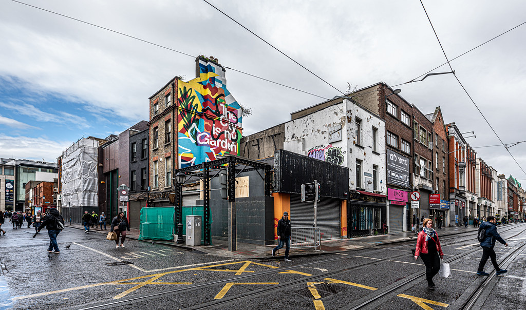 HERE THERE WILL BE A LARGE HOTEL [LIFFEY STREET - ABBEY STREET]-152110