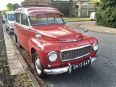 1964 Volvo P210 Duett (NielsdeWit) Tags: dh1384 ede twotone duett 210 p p210 volvo car nielsdewit