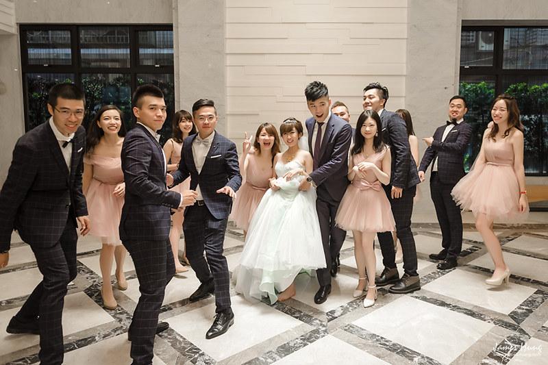 婚攝鯊魚影像團隊,婚攝價格,婚禮攝影,婚禮紀錄,婚攝收費,類婚紗,新莊翰品,新莊典華,伴娘,伴郎,佈置,婚宴
