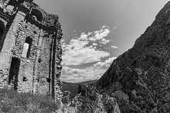 di vento tra i capelli (f4b1u5) Tags: blancoynegro biancoenero blackwhite blackandwhite landscapephotography landscape valley ruins abandonedtown ghosttown cilento mountains
