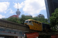 Back to the future (Thomas Schirmann) Tags: kualalumpur malaisie malaysia monorail