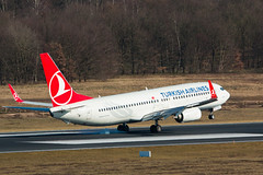 TC-JVF (Benedikt Lang) Tags: b737 b737800 b7378f2 b737ng b738 boeing tcjvf turkishairlines avgeek aircraft photo airline airliner airplane airport airways aviation avion aviones flight flugzeug flying luchthaven luchtvaart luftfahrt outdoor pilot piloting planespotting ramp runway spotter spotting tarmac taxi taxiway transportation travel vehicle vorfeld wings deutschland germany eddk colognebonn cgn colognebonnairport cologne nordrheinwestfalen de