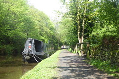 Towpath facing towards Whaley Bridge Junction.   (Peak Forest Canal)   May 2019 (dave_attrill) Tags: barge moored towpath whaleybridge peakforest canal peakdistrict nationalpark derbyshire may 2019 cheshirering waterway