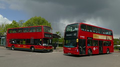 Contrasting 492s (londonbusexplorer) Tags: london central volvo b7tl plaxton president pvl284 pj02rcu arriva adl enviro 400 t300 kx61ldv 492 sidcup station bluewater tfl buses