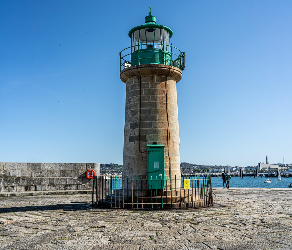 THE END OF THE WALK ALONG THE WEST PIER [DUN LAOGHAIRE HARBOUR]-152202