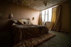 Bedroom (bryan.mk7) Tags: abandoned resort skiresort urbanexploration urbex decay