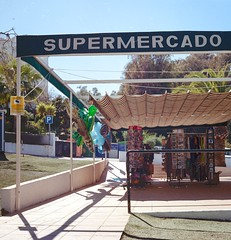 Supermercado (mdx) Tags: pentaconsix portra400 portra filmphotography filmsnotdead mijascosta andalucia supermercado 120mm mediumformat ilovefilm