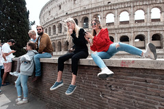 Rome : Les nouveaux barbares #2 (Paolo Pizzimenti) Tags: rome eur lion expo barbare nouveaux paolo italie olympus zuiko penf 12mm f2 film pellicule argentique doisneau
