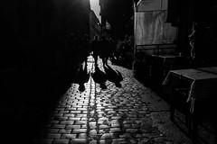 tre (paulopar.rodrigues) Tags: rua local street city cidade exterior italia roma urban peoplepessoas people pessoas photofoto bw captureone fuji xt1