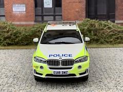 1/43 Code 3 Paragon BMW X5 Essex Police ARV (Mike's Code 3 Models) Tags: 143 code 3 paragon bmw x5 essex police arv diecast eu18 dwz armed response vehicle code3 diorama cops firearms afo trojan