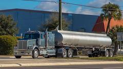 Western Star 4900 (NoVa Truck & Transport Photos) Tags: western star 4900 m carter sebring fl tanker truck big rig 18 wheeler